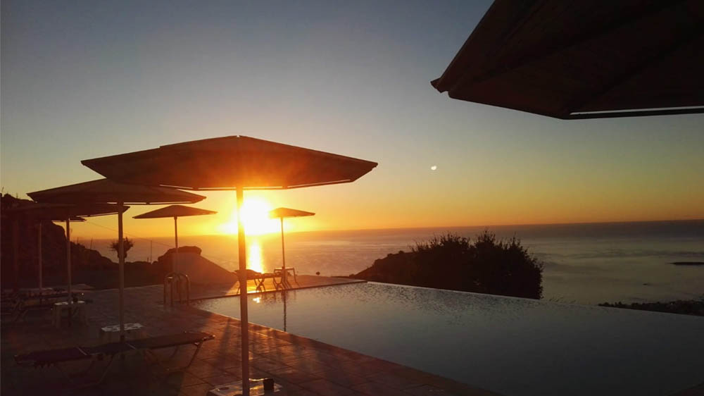 bouganville rodi tramonto piscina